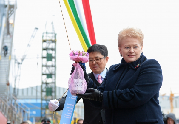 Lithuanian President Dalia Grybauskaite launches the FSRU Independence in South Korea in February 2014, which became the first LNG import terminal in formerly communist eastern Europe (Photo credit: (c) Lithuanian presidency)